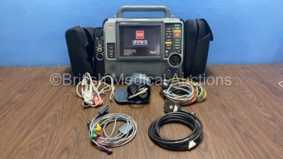 Medtronic Physio-Control Lifepak 15 12-Lead Monitor / Defibrillator *Mfd - 2009* Ref - 99577-000025 P/N - V15-2-000030 Software Version - 3207410-007