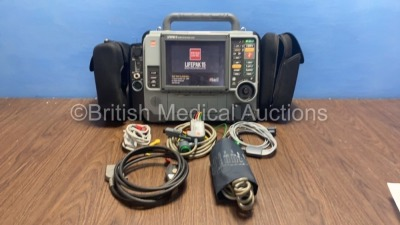 Medtronic Physio-Control Lifepak 15 12-Lead Monitor / Defibrillator *Mfd - 2010* Ref - 99577-000025 P/N - V15-2-000030 Software Version - 3207410-007