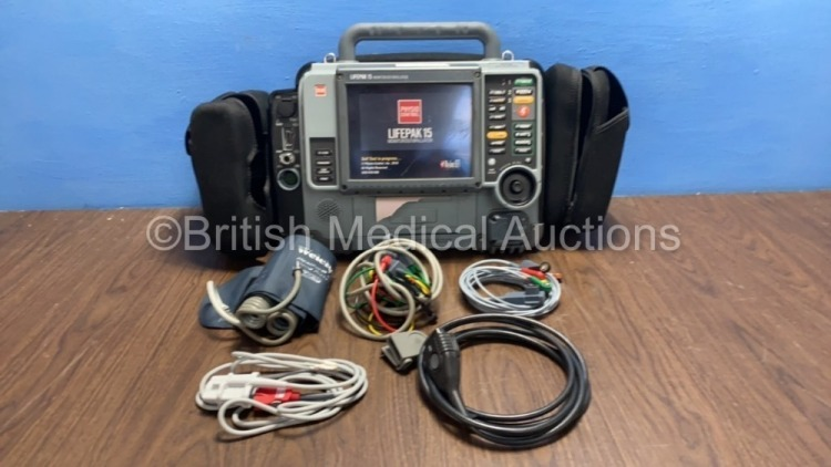 Medtronic Physio-Control Lifepak 15 12-Lead Monitor / Defibrillator *Mfd - 2010* Ref - 99577-000025 P/N - V15-2-000030 Software Version - 3207410-008