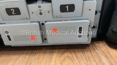 Medtronic Physio-Control Lifepak 15 12-Lead Monitor / Defibrillator *Mfd - 2010* Ref - 99577-000025 P/N - V15-2-000030 Software Version - 3207410-008 - 5