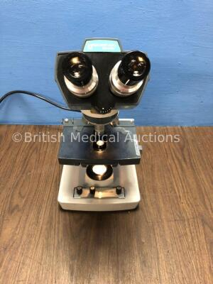 Reichert - Jung Microscope 110 with 3 x Objective Lenses (Powers Up with Good Bulb)