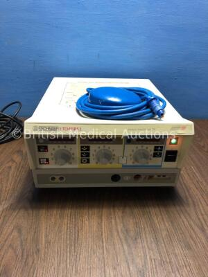 Eschmann TD411RS Minimal Invasive Surgery Diathermy Unit with Footswitch (Powers Up - Footswitch Connector Damaged - See Pictures)